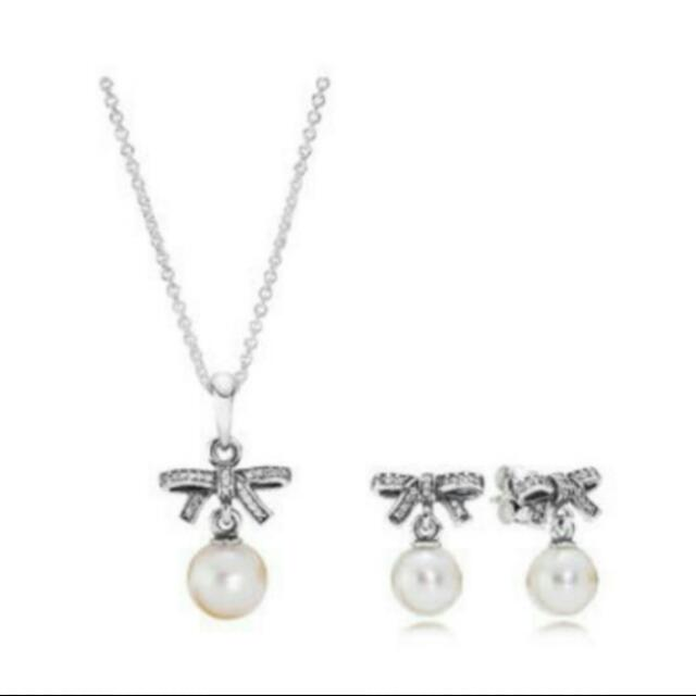 0d4ac8771d9fb BNIB Authentic Pandora Pearl + Ribbon Bow Earrings & Necklace Set ...