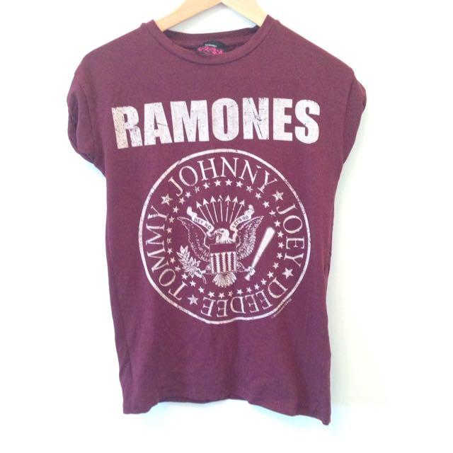 Ramones T-shirt Sz 6