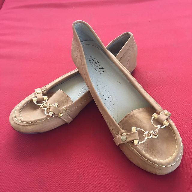 Tan Loafers With Chain Detail