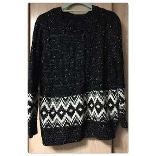 ✨starmimi 黑色圖騰毛衣✨