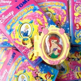 降價出清)TOMY 2004 迪士尼 公主 項鍊戒指開鎖寶盒盒玩 食玩 扭蛋 人魚