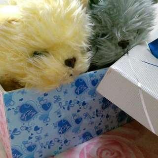 💙聖誕節活動💛簡單的溫情,交換禮物一起感受氛圍吧~  禮物盒袋內有馬克杯以及各種可愛全新娃娃全新書籍以及精品香水,各種溫馨禮物♥