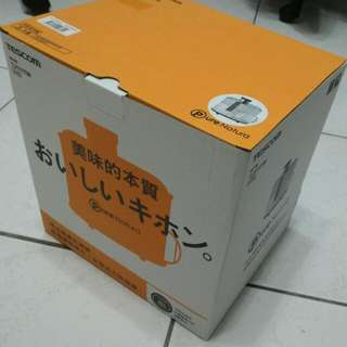 售 新品 TESCOM TJ111TW 榨汁機~果菜機 果汁機 一台