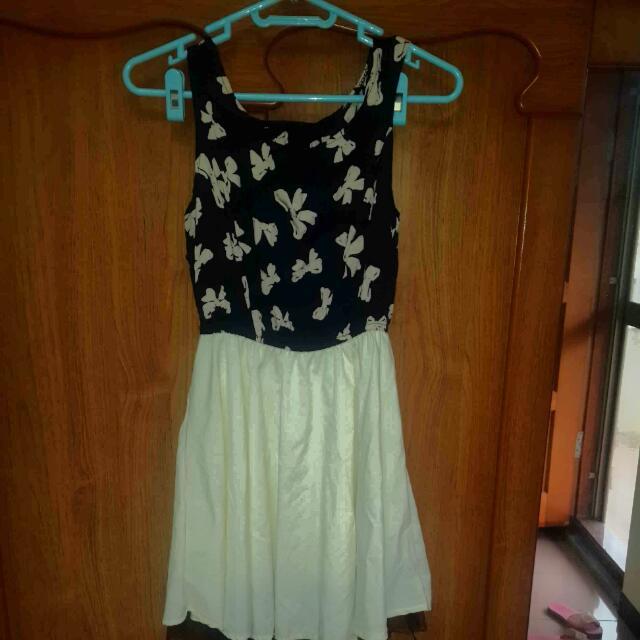 二手>可換可買>無袖滿版蝴蝶結縮腰連身裙