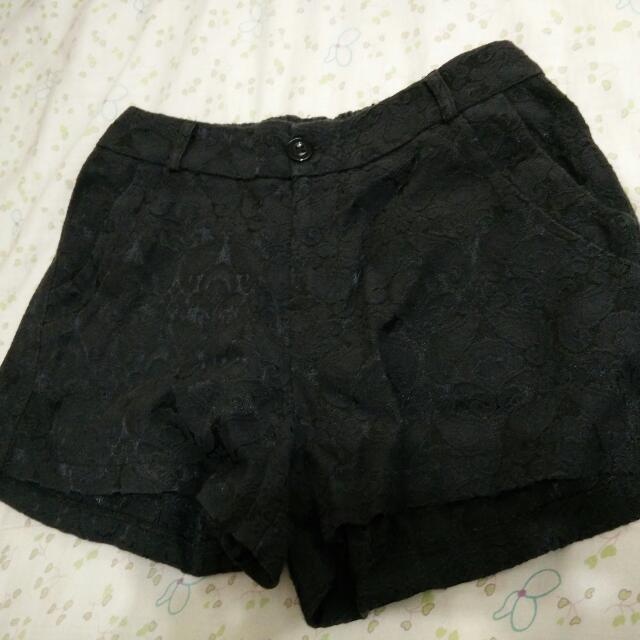 蕾絲圖騰短褲