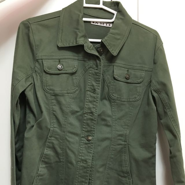 帥氣軍綠色襯衫外套