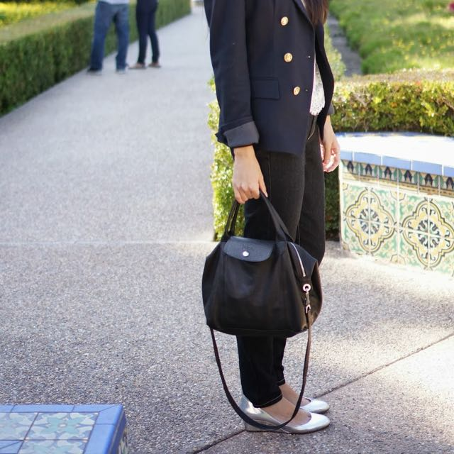 Authentic Longchamp Cuir Medium Size In Black, Women's Fashion ...