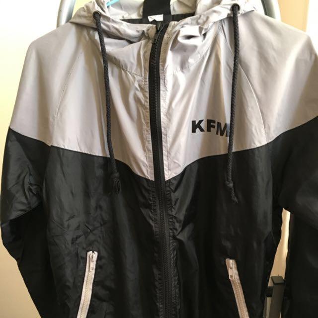 潮牌KFM風衣外套❤️