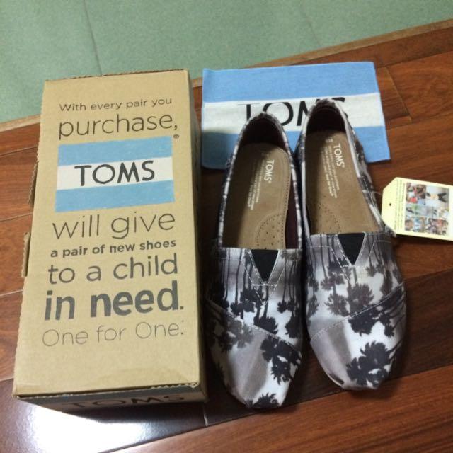 TOMS百搭鞋款