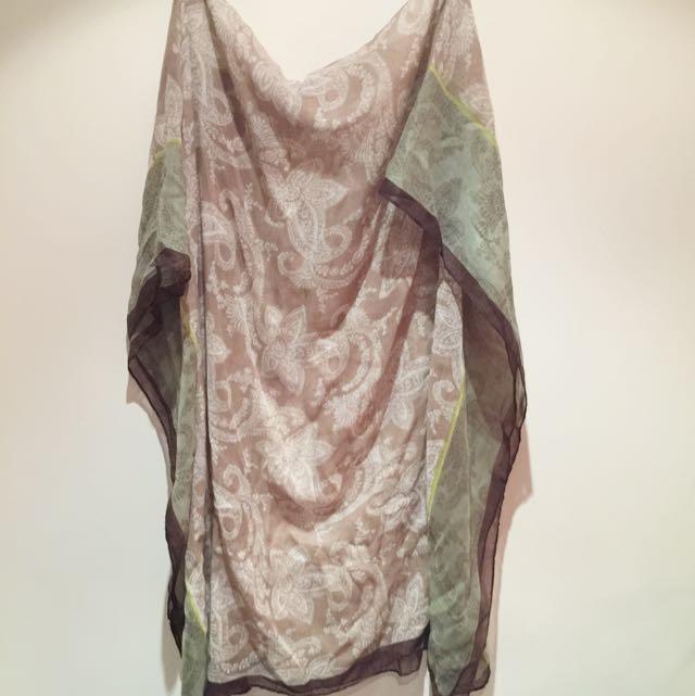 米駝色配綠色花圍巾長190cm,款100cm
