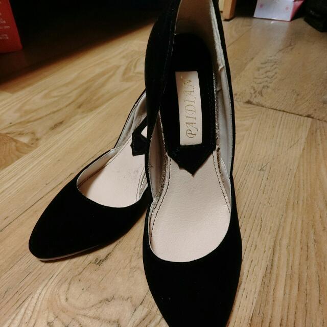 黑色高跟鞋 尖頭 低跟