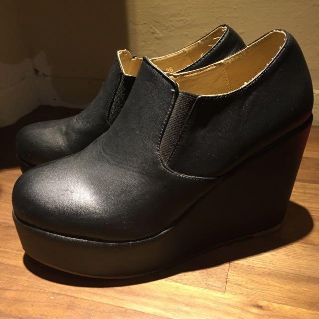 全新 厚底 黑色 真皮 露腳踝靴 買另外送小禮物