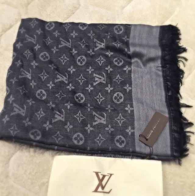 全新 LV 方巾
