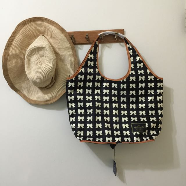 全新多功能hallmark輕盈蝴蝶結🎀空氣包可收納購物袋