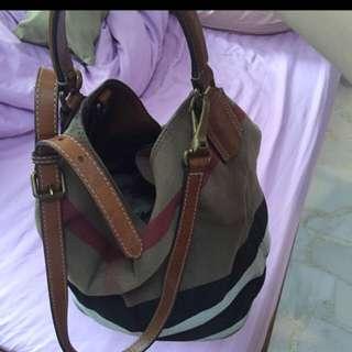 Burberry Signature Bag[ Medium Size Hobo]