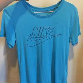Nike 水藍色上衣 M號