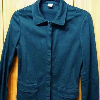 ✔ 素色 素面 雙口袋 襯衫領 剪裁合身 西裝 外套 隱形扣 (黑)