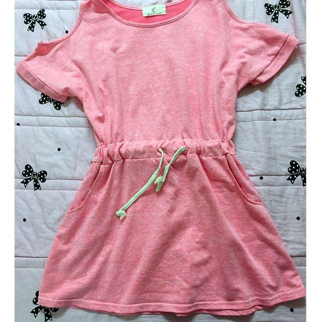 粉色連身裙 / 洋裝