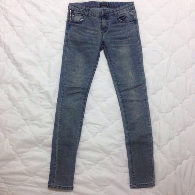 超顯瘦款 牛仔褲