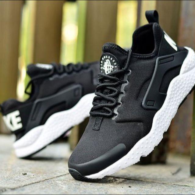Nike Air Huarache Run黑白色男女鞋款