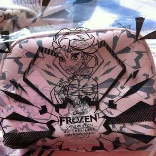 7-11限量冰雪奇緣時尚萬用包
