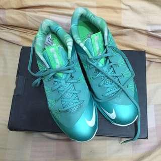 LBJ 10代 籃球鞋