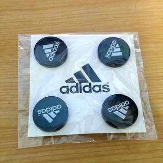 Adidas號碼扣