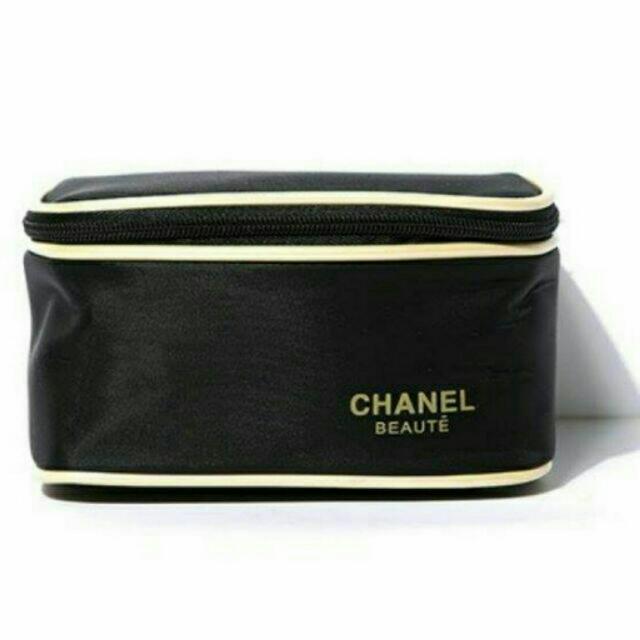 2015韓國秋冬CHANEL緞面黑色金邊化妝包