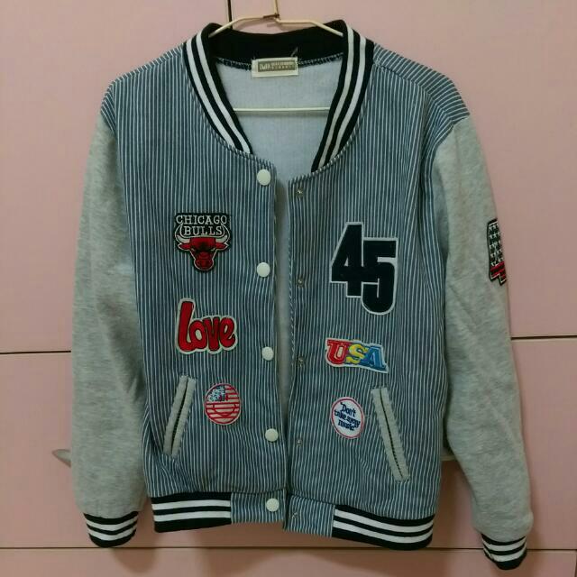 秋冬布章棒球外套#500元好外套