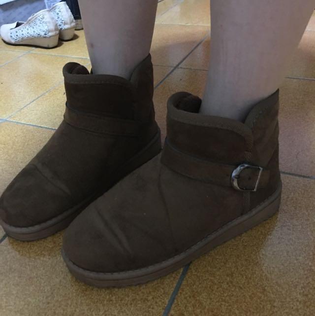 九成新 咖啡色雪靴 38號