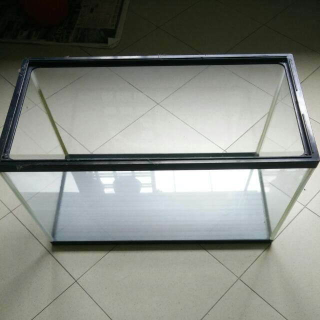 Cheap! 2' X 1' Size Fish Tank