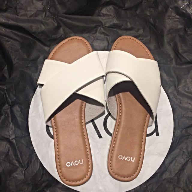 Novo Sandal
