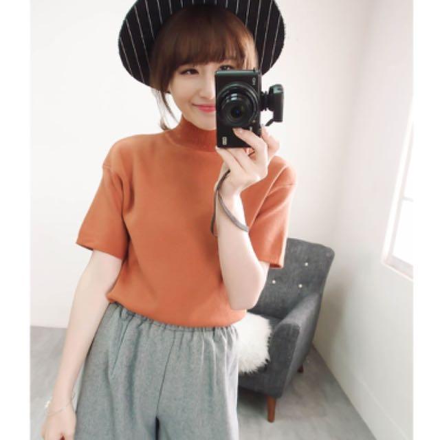 【全新】Tu's 素面高領短袖針織上衣 - 橘