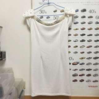 白色連身氣質洋裝 珍珠水鑽蝴蝶結造型 一字領