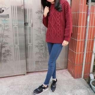 9成新💕酒紅麻花針織衣