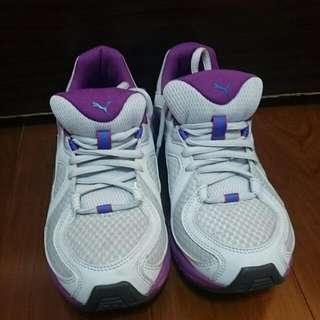 PUMA㊣慢跑鞋 23.5號