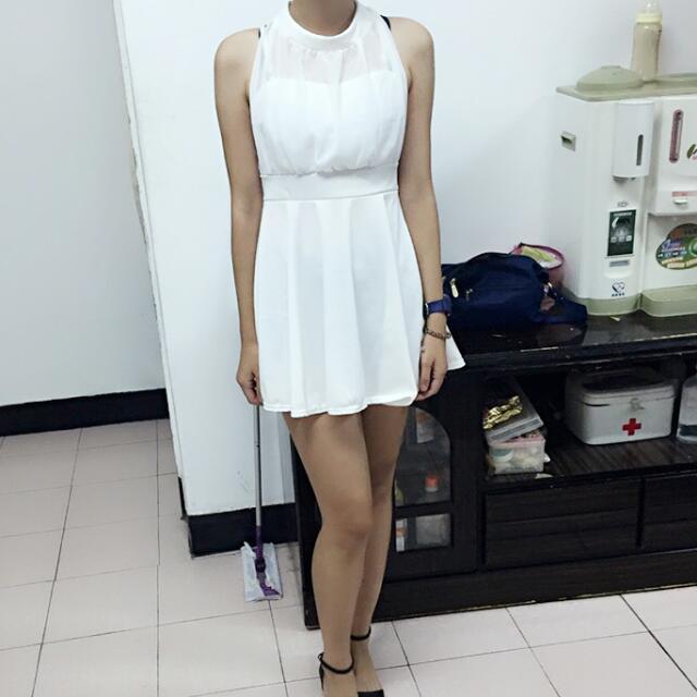 含運!!!純白高領透視小禮服