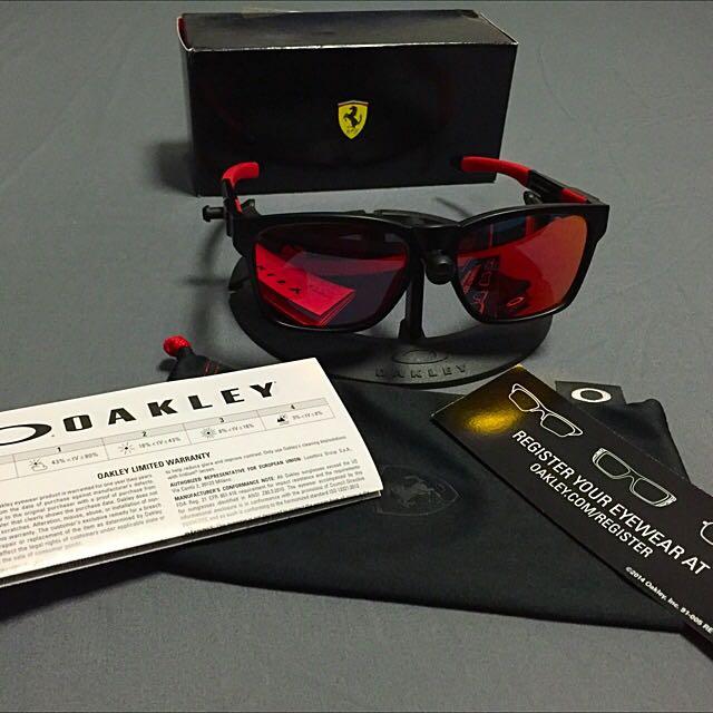 caa52b4eca Brand New In Box Authentic Oakley Catalyst Scuderia Ferrari ...