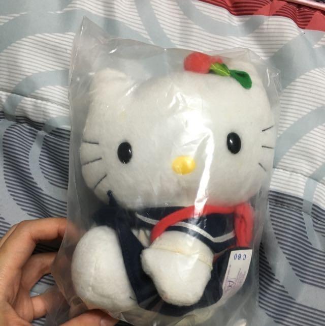 麥當勞Kitty日本水手服美少女學生妹娃娃