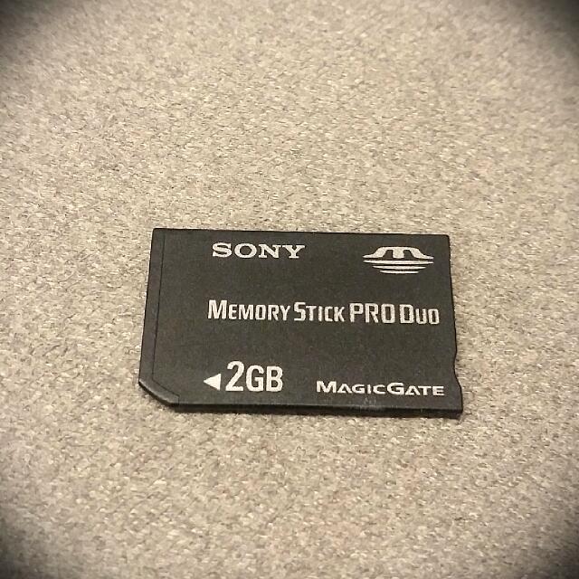 PSP 記憶卡 Sony 原廠 2G 二手