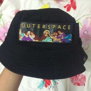 Outer space 漁夫帽