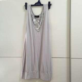 淺灰色亮片小洋裝