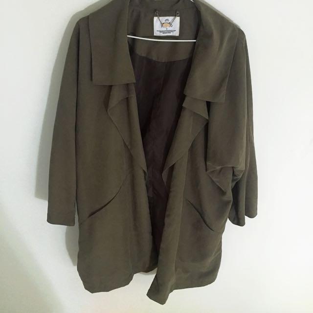 墨綠色風衣外套(含運)
