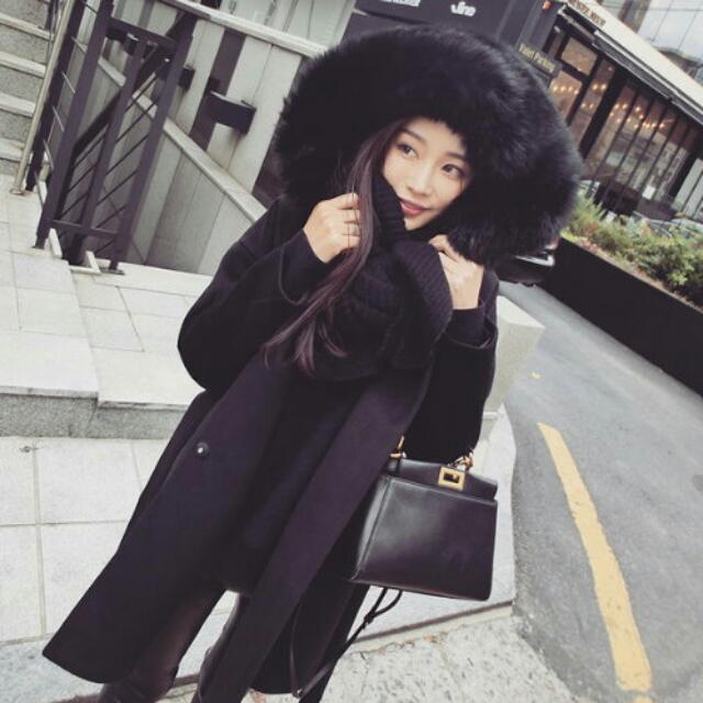 (已售出)全新 黑色 帶帽系帶毛呢 外套 大衣 舖毛 連帽外套 厚外套 毛絨絨帽子 搭配任何衣物都好看