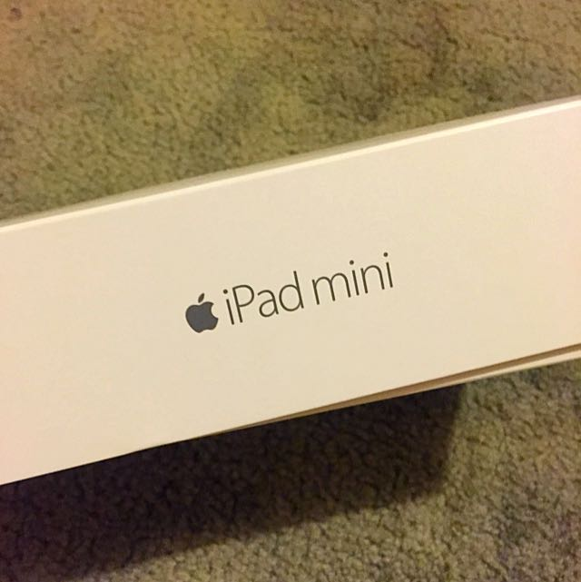 iPad Minnie 4 64 Gig