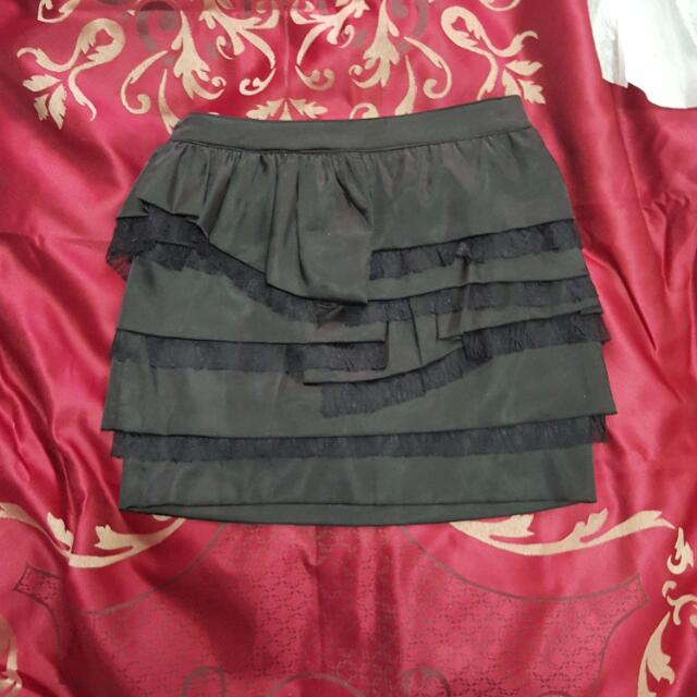 Temt Size 8 Black Skirt With Lace Detailling And Layers