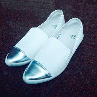 23.5cm尖頭白色便鞋