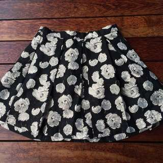 Forever 21 Pleated Floral Skirt