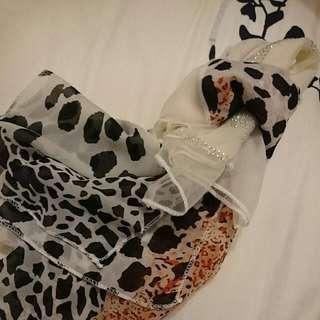 🌟全新🌟彩橘mix米白時尚動物紋圍巾