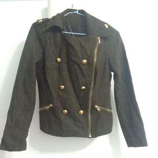 軍綠合身騎士外套